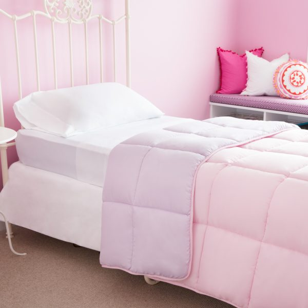 Lilac/Blush Reversible Bed in a bag display